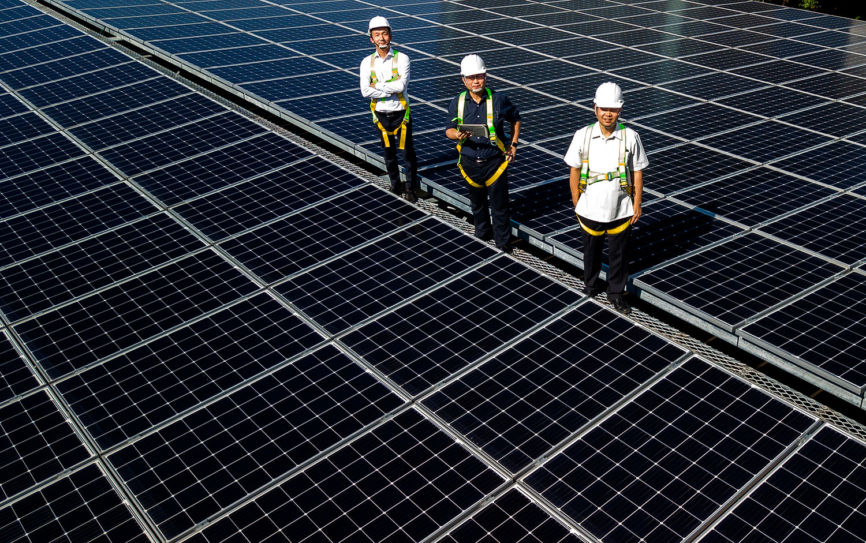 中租宣布砸100億擴大投資太陽能電站。