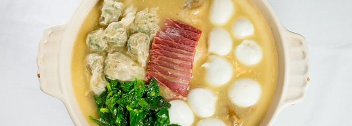 食不厭精、燴不厭細,在細節中講究卻不張揚,一直是江浙料理的特色。儘管江浙菜在台灣算是普及,許多菜餚已經可以速簡即就,但仍有些師傅堅持「走老路」,依傳統工序,按部就班烹調料理。例如,精研杭州菜的楊光宗。