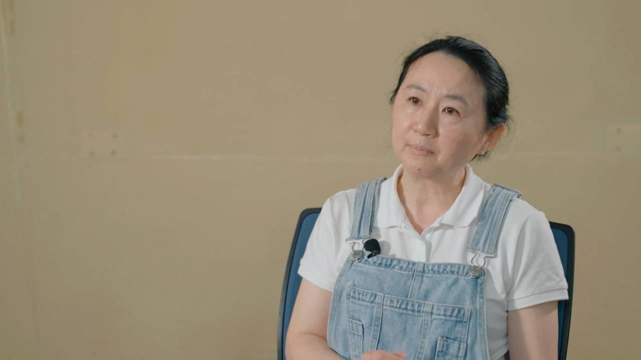 王宣茹就讀新竹建功高中時,高一的公民老師秦光輝。