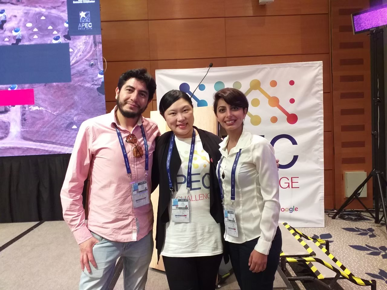 2019年鄭惠如代表台灣參加亞太經濟合作(APEC)主辦的App開發競賽,題目是幫助女性企業家順利取得投資。