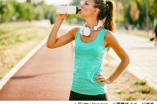暑い中での活動時、補給すべき飲み物は?
