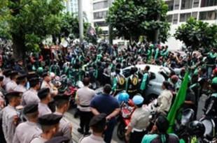 【インドネシア】グラブ二輪運転手がデモ、報酬2倍を要求[運輸](2018/09/20)