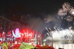【シンガポール】エイベックスが大型花火ショー、海外初開催[観光](2019/01/04)