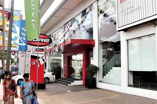 【インド】トヨタ中古店で「新車」販売[車両](2019/02/22)