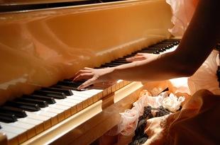 歴史や価値とともに変化する「お値段」⑭ ── ピアノのお値段