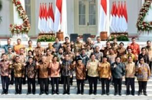 【インドネシア】「進む内閣」、主要ポストの多くが留任[政治](2019/10/24)