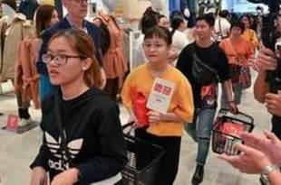 【ベトナム】ユニクロ越1号店オープン、1000人が行列[商業](2019/12/09)