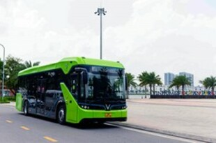 【ベトナム】ビングループの電動バス、ハノイで運行開始[運輸](2021/04/12)