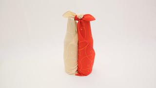 2本の瓶も風呂敷で軽々運べる♪「合わせ包み」の包み方