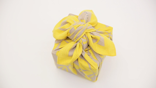 適合用來包禮物或便當的「花瓣包法」