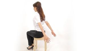【二の腕&ウエスト痩せ】座ったままプチ筋トレでスキマ時間にエクササイズ♪