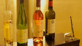毎夜のコンサートに信州ワインのテイスティングが楽しめる「星野リゾート 界 松本」