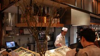 天ぷらが立ち飲みで楽しめる!新感覚Bar「喜久や 麻布十番」
