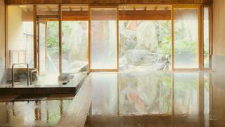 美肌温泉を 大浴場・足湯・露天風呂付き客室 で楽しめる「星野リゾート 界 伊東」