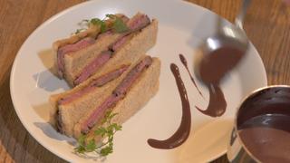 お肉×フルーツがミラクル! ネオビストロ「Doors」で味わうフレンチサンド3選