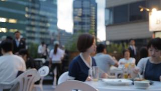 ヒルトン東京のルーフトップテラスで肉ざんまいのビアガーデン
