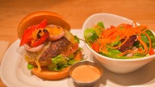 死ぬまでに食べたいハンバーガー!? 「THE COUNTER」絶品カスタムバーガー3選