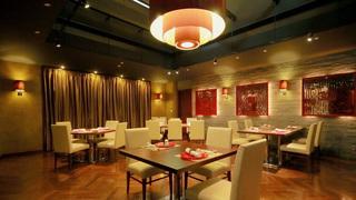 スワロフスキー輝く、中華リッチなANAクラウンプラザホテル大阪のレストラン「花梨」
