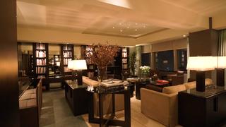 国内最高級ホテル「パーク ハイアット 東京」のラグジュアリーなスイートルーム