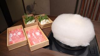溶けていくわたあめがムージージェニックなすき焼き。「武蔵別邸 巌流島」