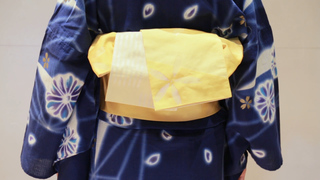 簡單時尚浴衣的「反摺蝴蝶結」綁法 打造成熟裝扮