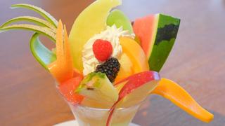 まるでフルーツの花束!一度は食べたい目黒「果実園リーベル」の山盛りパルフェ