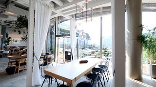 空中庭園に寄り添うレストラン「DRAWING HOUSE OF HIBIYA」