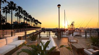 美しい夕日を眺めるカフェ時間「ロンハーマン カフェ 逗子マリーナ」