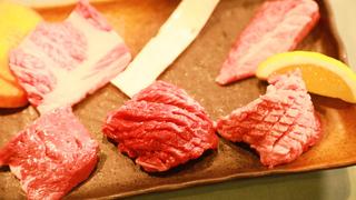 気兼ねなく一人焼肉を楽しめる。大阪・北新地「立食焼肉 一穂」