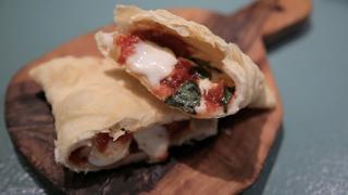 新食感の揚げピザ! イタリア定番ファストフードが楽しめる「パンツェロッテリア」