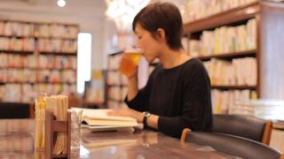 下北沢の「B&B」はビール片手に本を探せる!?好奇心旺盛な大人のための本屋