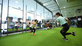 ボール×水の最新トレーニング「ティップ.クロス TOKYO」