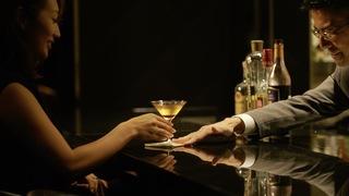 在「The Prince Gallery東京紀尾井町」BAR裡品嚐高級雞尾酒
