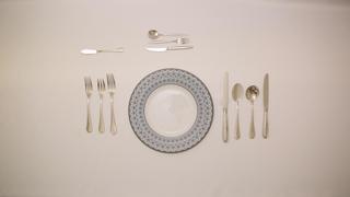洋食マナー ナイフ&フォークの基本・持ち方