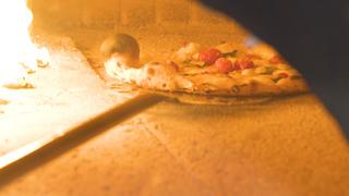 スモークモッツァレラチーズが絶妙!大人のごちそうピザ「ピッツァスタジオ タマキ」