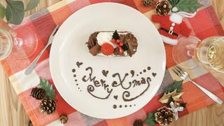 クリスマスケーキをもっとかわいく! チョコペン文字で書く「Merry X'mas」のコツ