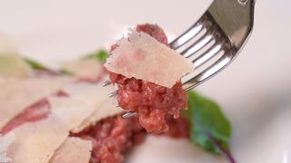 イタリアの郷土料理をワインと共に!「オストゥ」のこだわり詰まったピエモンテ料理