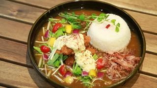 カレー激戦区で話題の「Zipangu Curry Café」。和風なフォトジェニックカレーを堪能