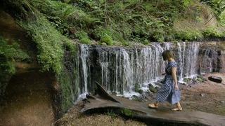 軽井沢屈指の観光スポット「白糸の滝」の人気の理由とは?