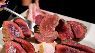 超グルメ系肉食女子に贈る!これぞ究極のレア肉「パンとサーカス」