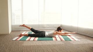 体幹を鍛えれば驚くほどスタイルアップ!背中・お腹痩せに効くストレッチ