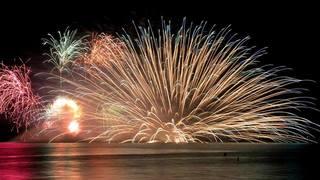 2018年「鎌倉花火大会」は海面を美しく彩る水中花火に注目!