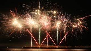 毎年10万人が鑑賞する海上花火「2018久里浜ペリー祭花火大会」