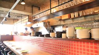 世界のワイン1200種が揃う!浅草橋の「ワインショップ & ダイナー フジマル」