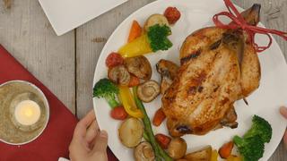 クリスマスディナーを一気に華やかに!「七面鳥」を作るコツ
