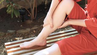 1日の足のむくみを1分でリセット!お風呂で簡単マッサージ法