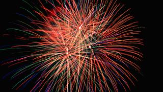 4,000発の花火がさがみ湖を彩る「さがみ湖湖上祭花火大会 2018」