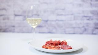 産地を合わせるのがコツ!ハムとワインの美味しい合わせ方【大人の女のワイン入門】