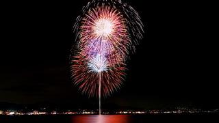 「第38回三浦海岸納涼まつり花火大会」は水中孔雀に注目