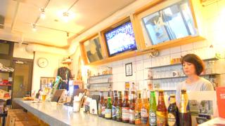 原宿・表参道でカジュアルに飲めるバスケのスポーツカフェ「coast2coast」